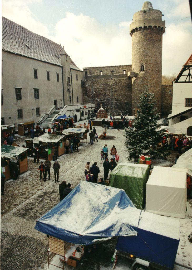 Adventní trhy pod Rumpálem   Muzeum středního Pootaví Strakonice